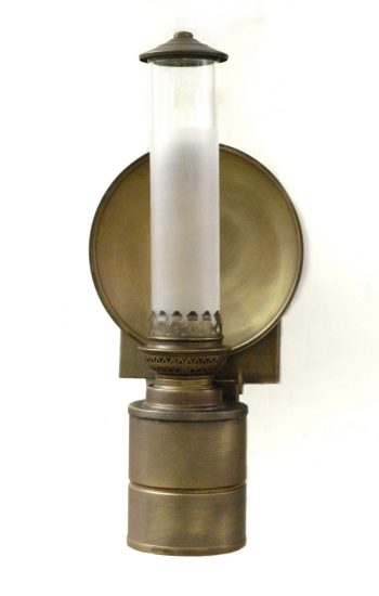 "ADA Compliant Lamp for use where a lamp less that 4"" depth is required"